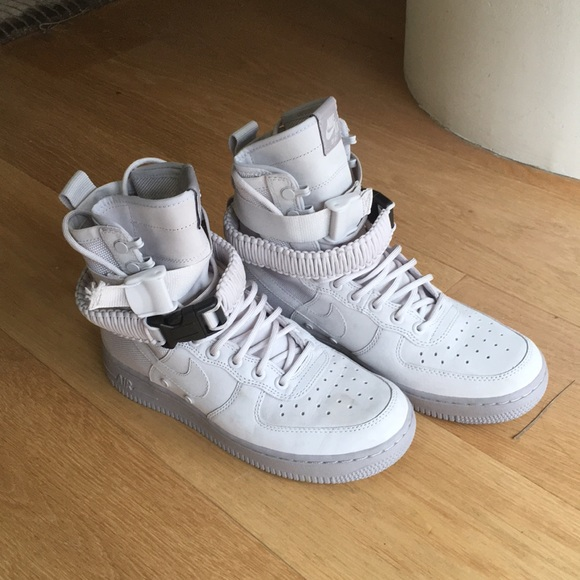 Nike Wmns SF Air Force 1 'Vast Grey' size 7.5